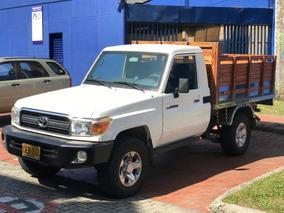 Toyota Land Cruiser Estaca