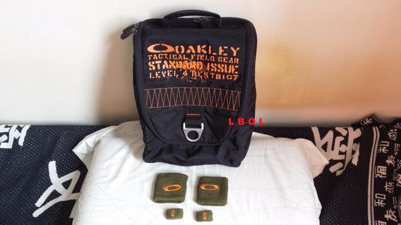 Kit Oakley: Bag Tenis Camo Camiseta Munhequeira E Dedeira