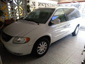 Chrysler Town & Country 3.8 Limited - Como Nueva