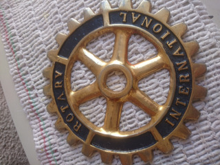 Insignia Rotary Internacional (grande)