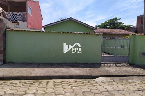 Imagem 1 de 14 de Casa Itanhaém 50 Metros Do Mar, 2 Suítes, 3 Vagas.