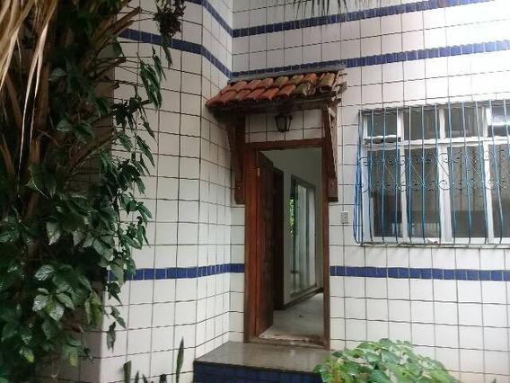 Casa 2 Quartos 1 Banheiro Sala Cozinha Área De Serviço