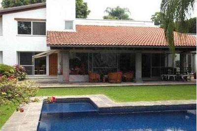 Casa En Venta, Cuernavaca, Morelos, Fraccionamiento Con Vigilancia