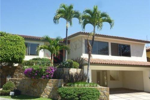 Casa Residencial En Venta, Club De Golf Tabachines, Cuernavaca