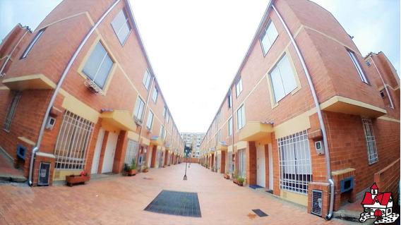 En Venta Casa San Antonio Norte Bogota Mls 19-825 Lq