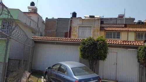 Casa Con Terreno Extra, Fraccionamiento En Tultitlán