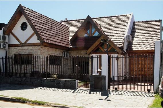 Casa 5 Amb, Villa De Mayo, Detalles De Categoria.