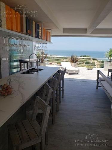 Increíble Pent-house En Playa Brava, Primera Fila, Vistas Espectaculares