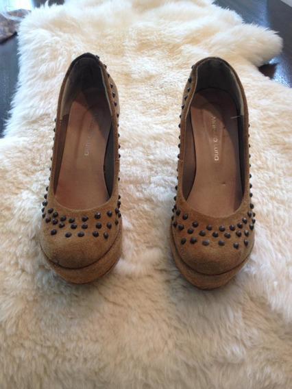 Zapatos Plataforma Mostaza Tachas Marcela Luna