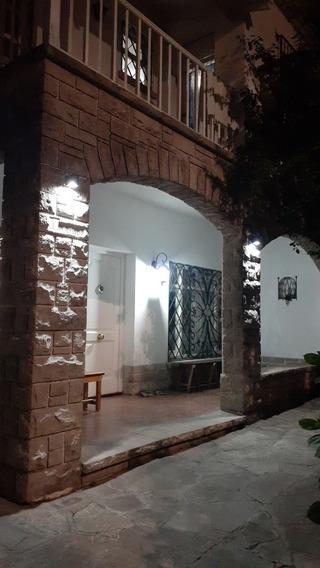 Alquiler Temporario Hostal En Calle Guemes