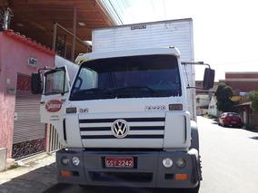 Caminhão Truck Volks 23220 Com Baú