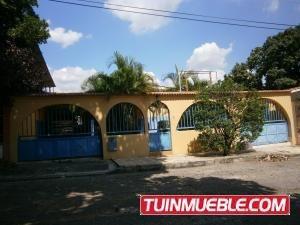 Casa En Venta La Esmeralda Valencia 19-2222 Gz