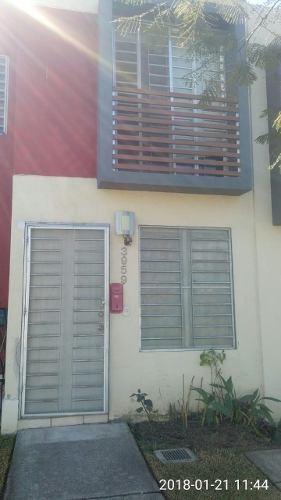 Casa En Coto Frente Area Verde, Vigilancia 24 Hrs.