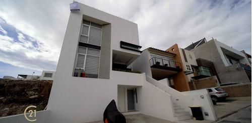 Imagen 1 de 30 de Bellavista - El Tornillo: Hermosa Casa En Venta Con Excelente Vista.
