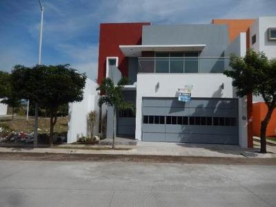 Hermosa Casa En Esmeralda Norte