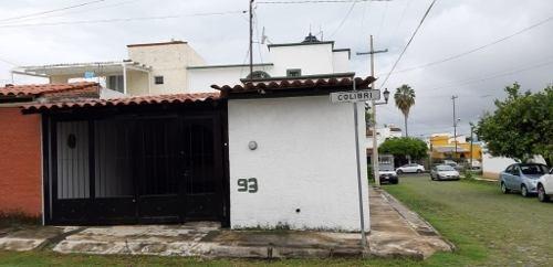 Casa En Venta En Colinas De Santa Bárbara En Colima