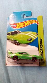 Hot Wheels 69 Dodge Charger Daytona - Verde