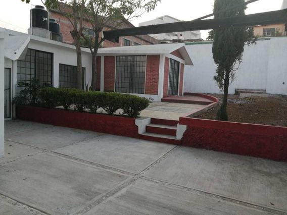 Hermosa Casa Sola De Un Nivel