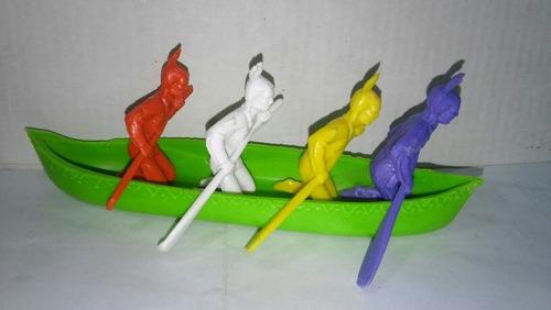 Lote De 4 Soldaditos Indios Remando Con Canoa 15 Cm.