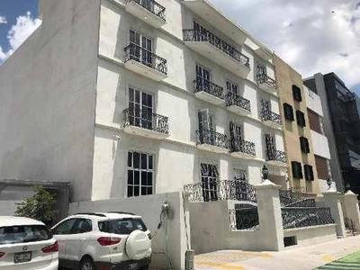 Oficina En Renta En Colinas Del Cimatario En Un Primer Nivel Ubicado A 500 Mts. De Centro Cívico