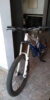 Bicicleta De Dh Giant Glory