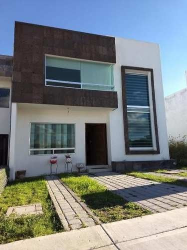 Casa En Gran Juriquilla Con Habitacion Abajo