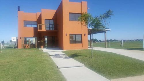 Excelente Casa A Estrenar En Puertos Del Lago Barrio Vistas