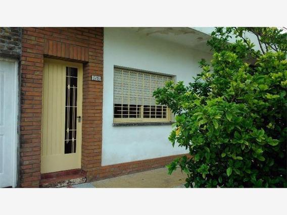 El Palomar: Ph Frente De 3 Ambientes Entrada Independiente, 2 Dormitorios ( 1 Chico), Baño Inst. Cocina Comedor, Patio, Lavadero. F: 7458