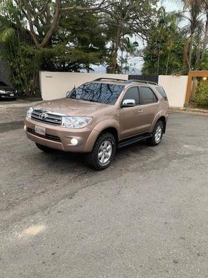Toyota Fortuner 6 Cil