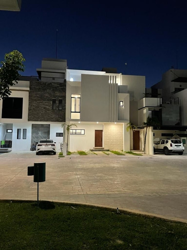 *casa En Venta En Cancun Arbolada