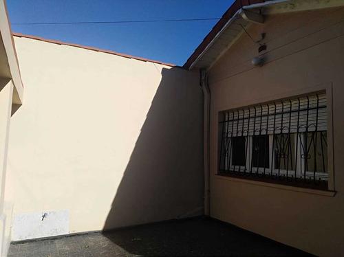Casa Ana Acerboni 1359 - Barrio Ferroviario, Banfield