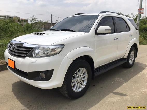 Toyota Fortuner At 3000cc