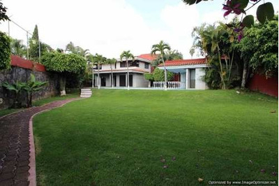 (crm-1404-3022) Se Vende Y Renta Amplia Casa Ideal Para Escuelas / Oficinas Col. Jiqui