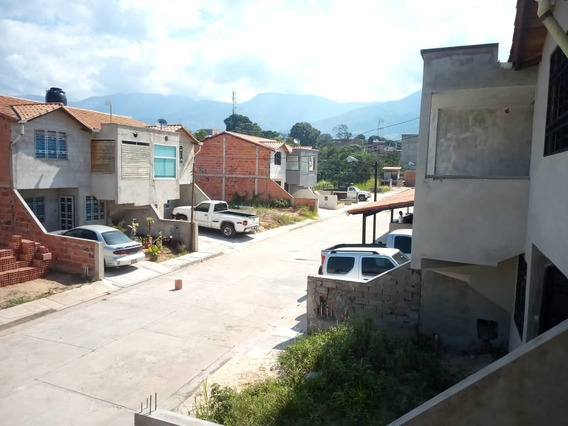 Casa. Santa Teresa. San Cristobal.