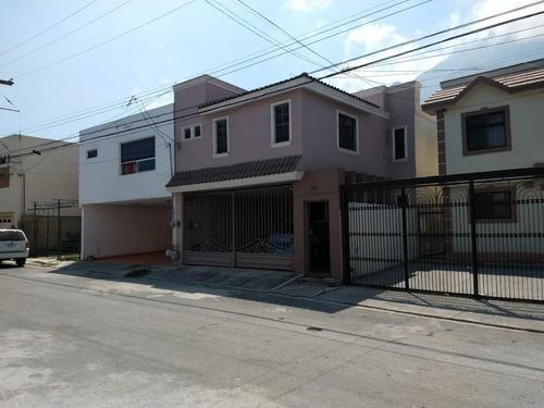 Casa En Camino Real, Guadalupe