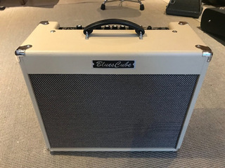 Amplificador Roland Blues Cube Stage 60w Impecable