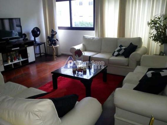 Apartamento À Venda, 4 Quartos, 4 Vagas, Leme - Rio De Janeiro/rj - 11094