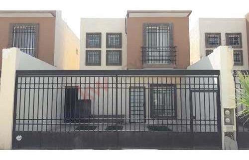 En Venta Casa Residencial Amueblada En Buena Zona De Torreón Y Con Excelente Ubicación En Sector Oriente, Muy Cerca Del Periférico.