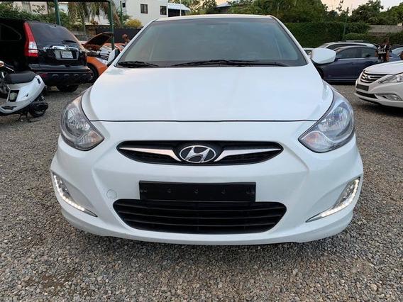 Hyundai Accent Prestige 2015 (diésel)