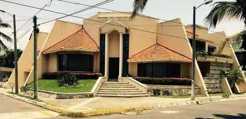 Casa Con Alberca Costa De Oro Esquina