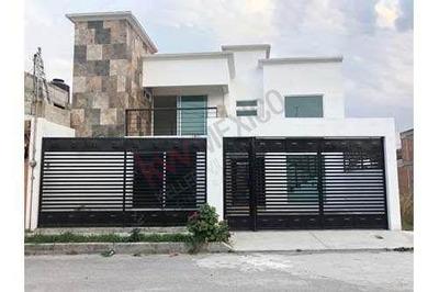 Casa Nueva Amplia, Muy Buenos Acabados.