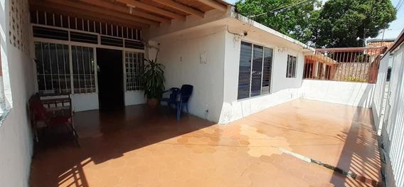 Casa En Venta Zona Este Patarata Barquisimeto 20 22542 J&m