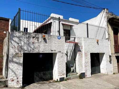 Vendemos En Exclusividad 2 Casas Con Garaje Al Frente Oporunidad