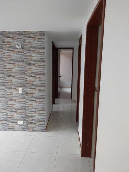 Acogedor Y Hermoso Apartamento En Madrid Cund.