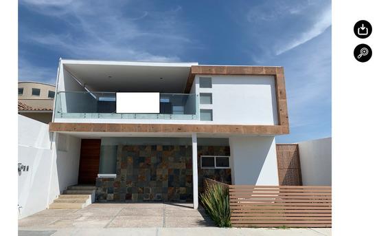 Casa En Venta Ubicada En Vista Hermosa Con Acabados De Lujo.