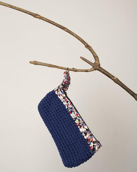 Cartuchera Tejida Al Crochet Aromo Azul
