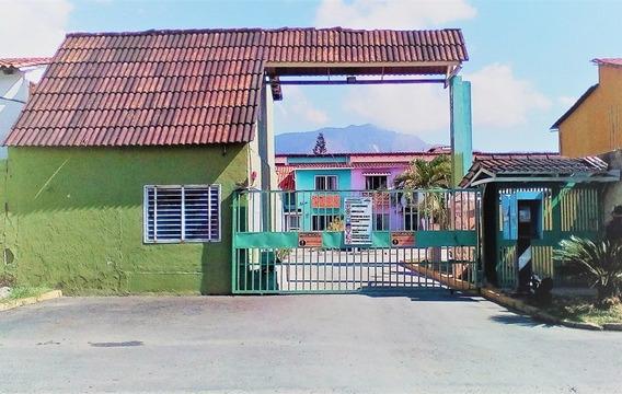 Sky Group Vende Townhouse En Parqueserino Guth-27