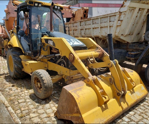 Retroescavadeira Caterpillar 416e 2011