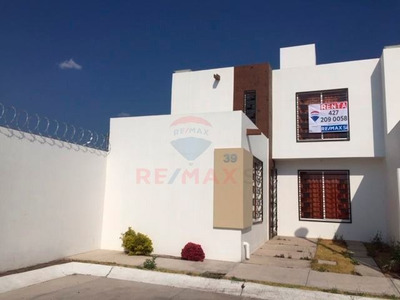 Casa En Renta Amueblada, San Juan Del Rio