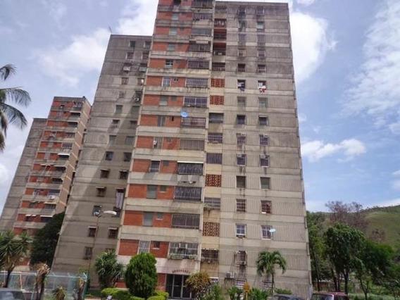 Apartamento En Venta Residencias Invica La Victoria Cod. 20-